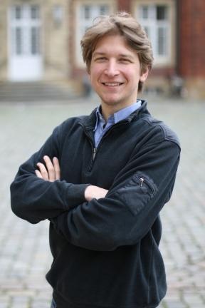 Das war mal mein Wahlkampffoto bei den Senatswahlen der Uni Münster.
