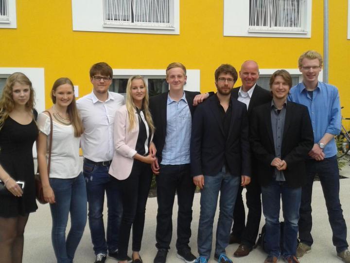 K1024_Jörg Rostek und der Wohnheimrat der neuen Boeselburg