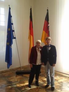 K800_Hannelore Wiesenack_Hauss und Jörg Rostek in der Staatskanzlei Rheinland_Pfalz