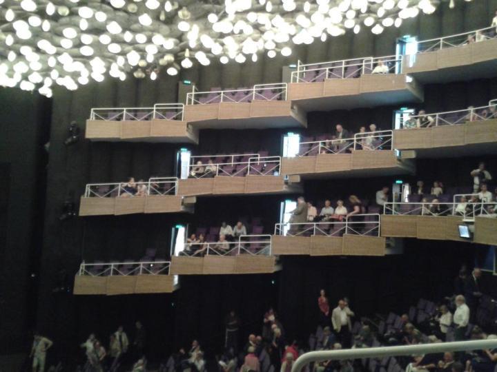 """Münsteraner Stadttheater am 29.08.15. Gleich wird """"Hoffmanns Erzählungen"""" gespielt."""