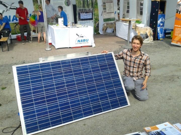 jorg-rostek-und-solarzelle